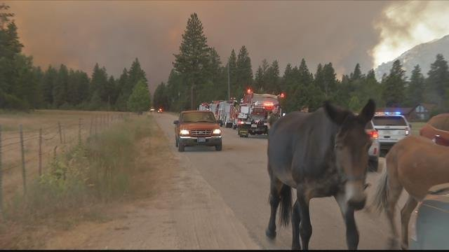 Residents rushed to flee as the blaze approached Sunday. (MTN News photo)