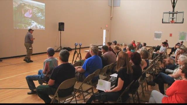 The public turned out for a Tuesday meeting in Stevensville to learn more about the Lolo Peak fire. (MTN News photo)