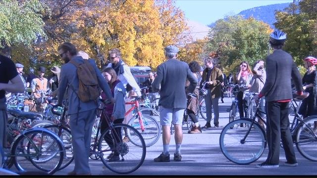 Free Cycles Missoula hostedtheirannual Tweed Ride tocelebrate thecommunity. (MTN News photo)