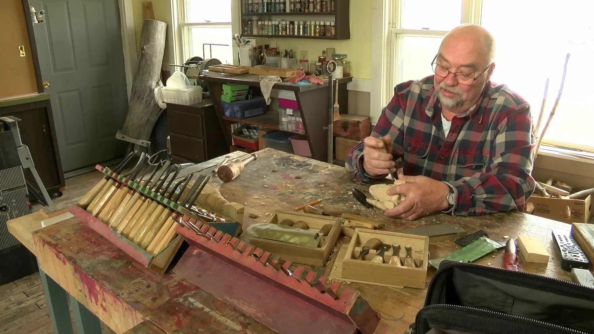 Bob Kovatch produces by hand everything from animalstogarden sculptures in a variety of media. (MTN News photo)