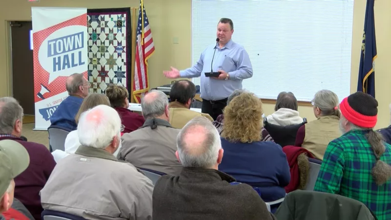 U.S. Senator Jon Tester (D-MT) at a Great Falls town hall meeting on 1.15.18. (MTN News photo)