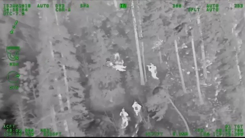Two Bear Air Rescue as instrumental in helping to quickly end a manhunt for an armed suspect near Lakeside. (photo credit: Two Bear Air)
