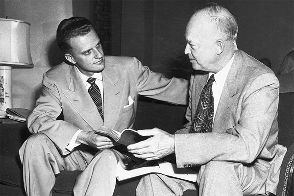 An undated photo of Billy Graham with President Dwight Eisenhower. (Source: Billy Graham Evangelistic Assoc.)