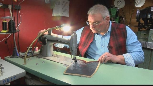 Scott Mitchell is creating another one-of-a-kind Western boot. (MTN News photo)