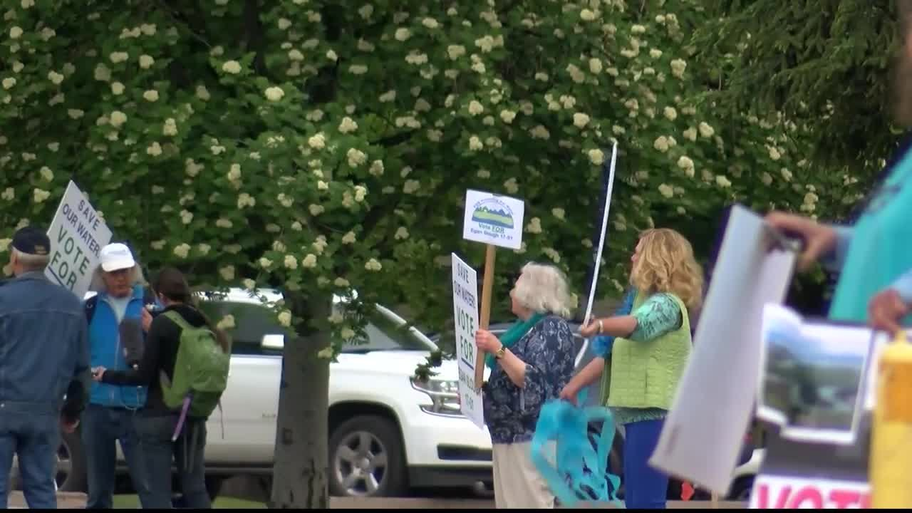 Flathead Valley residentsrallied to have their thoughts heard on the controversial proposed Crestonwater bottling plant. (MTN News photo)