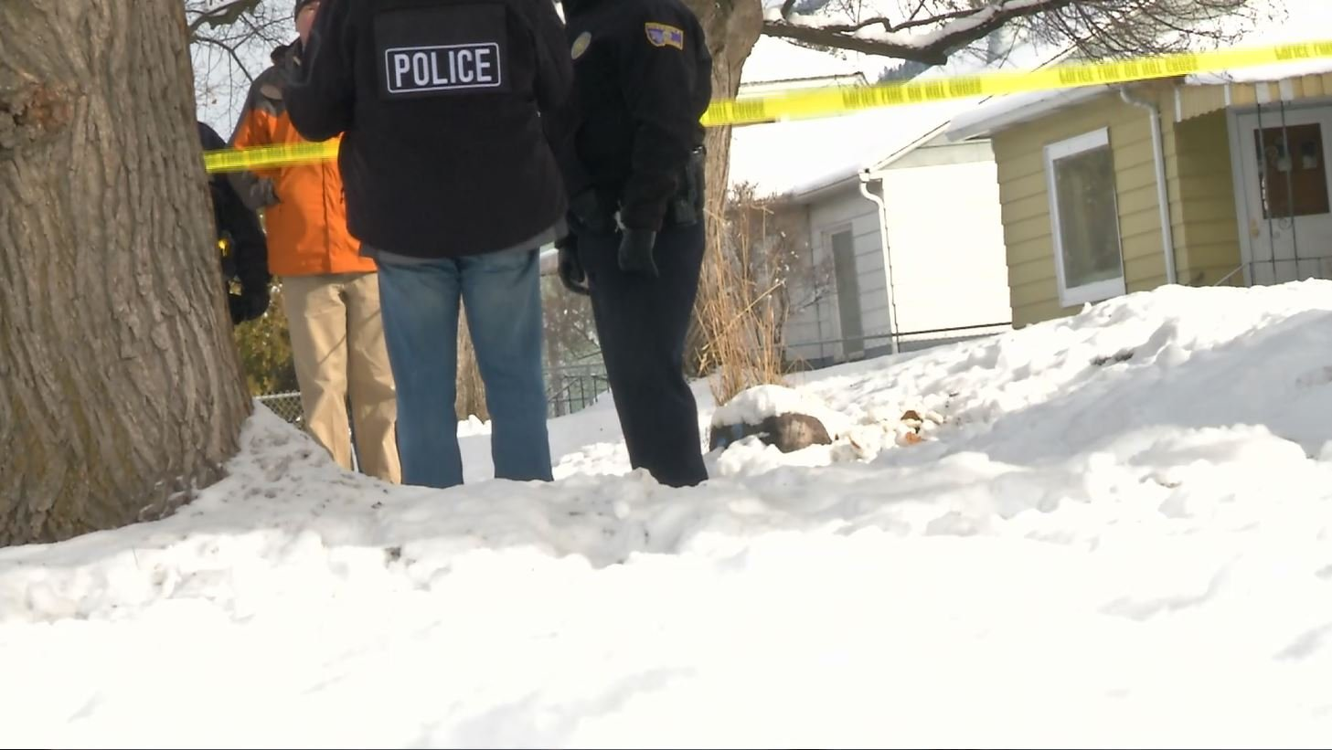 Officers found a knife in the snow along Stephens Avenue this morning. (MTN News photo)