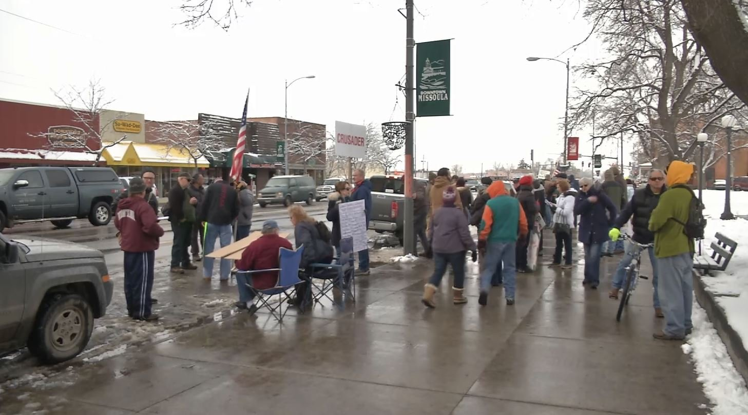 Protesters in Missoulavoiced their objections to the possibility of Missoula becoming a new home for refugees fleeing the Syrian Civil War. (MTN News photo)