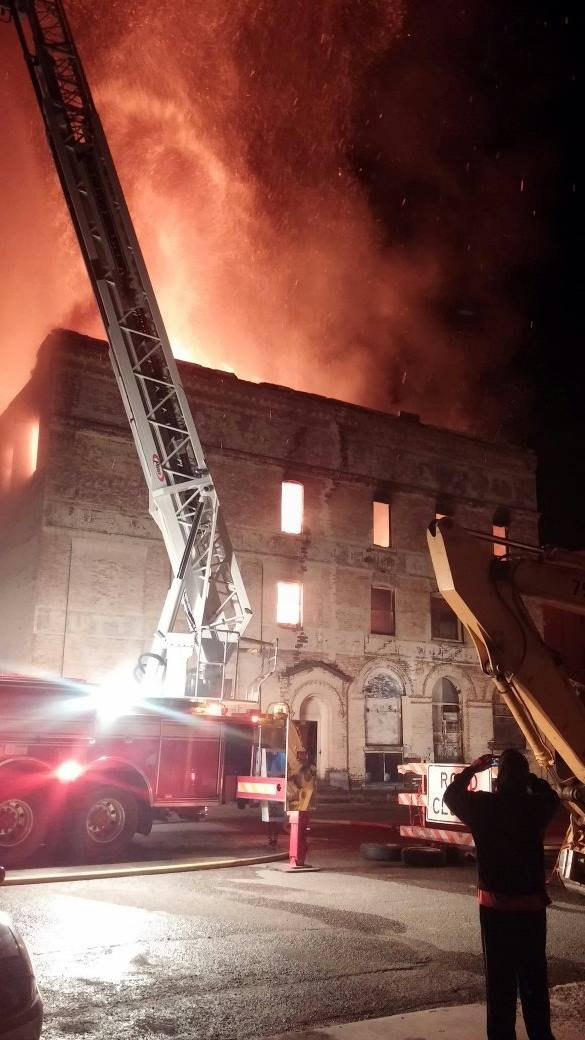 Collapsed warehouse burns in butte q2 for Ebay motors warehouse in billings montana