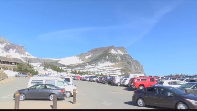 The parking lot at Logan Pass was busier than ever in July. (MTN News photo)